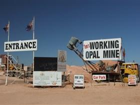 Tom's Working Opal Mine Image