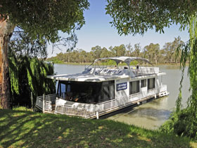 Moving Waters Self Contained Moored Houseboat