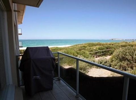 Beachfront Narrabeen