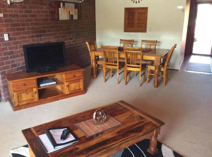 Cleveland Visitor Villas Motel & Shailer Park Garden Villas Image