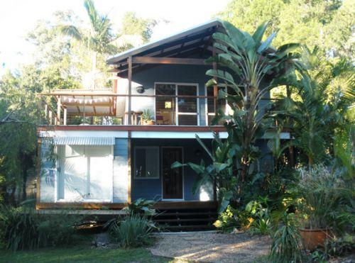 Coochiemudlo Island Family Beach House Image
