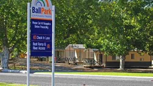 Ball Park Caravan Park Image