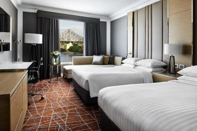 Brisbane Marriott Hotel Logo and Images