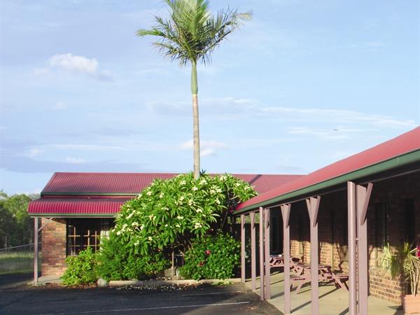 Fernvale Hotel-Motel