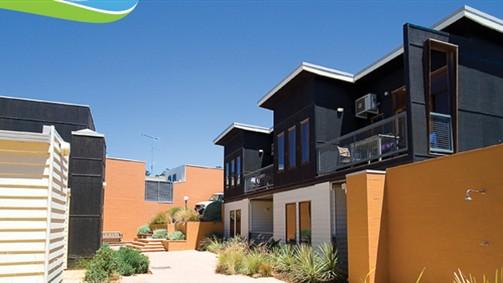 Lornebeach Apartments