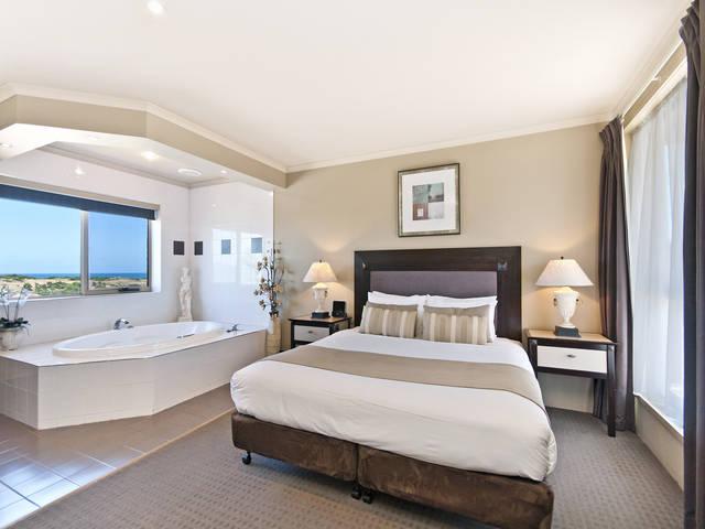 Comfort Inn On Raglan