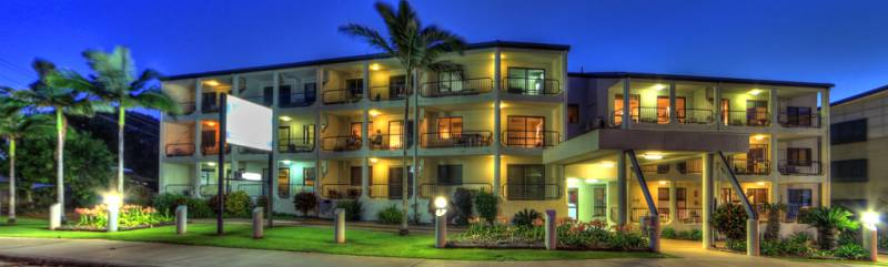 L�Amor Holiday Apartments Logo and Images