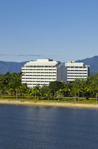 Holiday Inn Cairns Harbourside Logo and Images