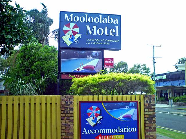 Mooloolaba Motel Logo and Images