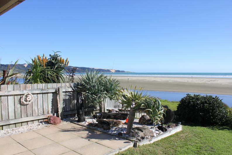 Ahipara Tides Absolute Beachfront