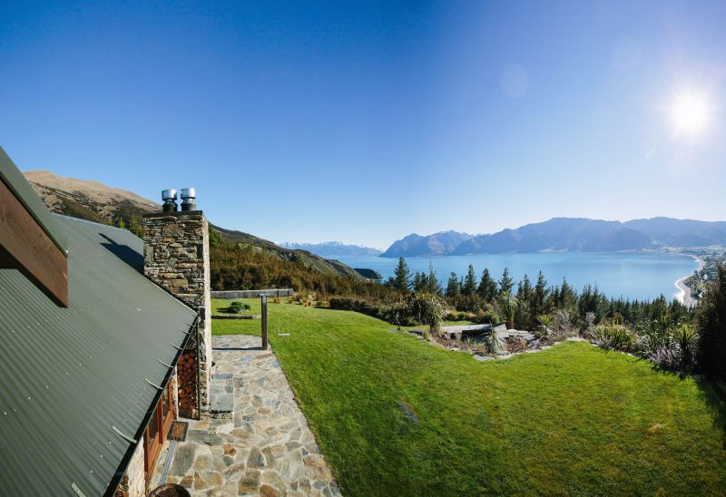 Release Wanaka - Lake Hawea View
