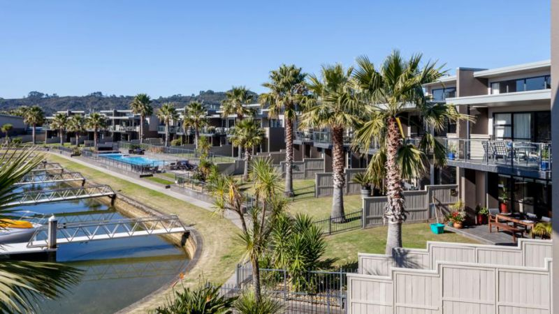 Sovereign Pier on the Waterways, Whitianga