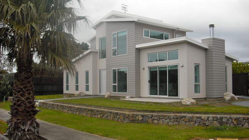 The Palm Grove Retreat
