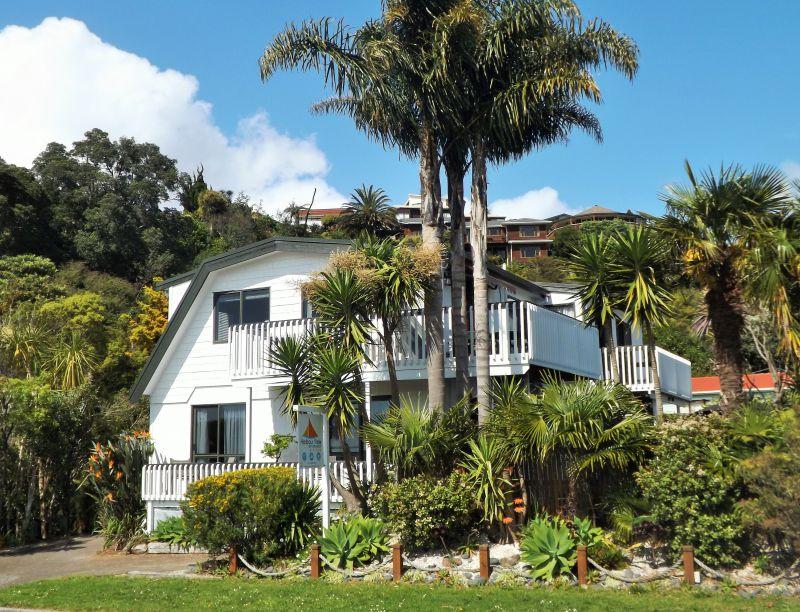 Harbourview Lodge