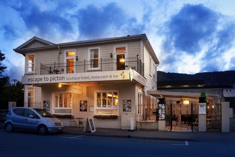 Escape to Picton Boutique Hotel, Restaurant & Bar