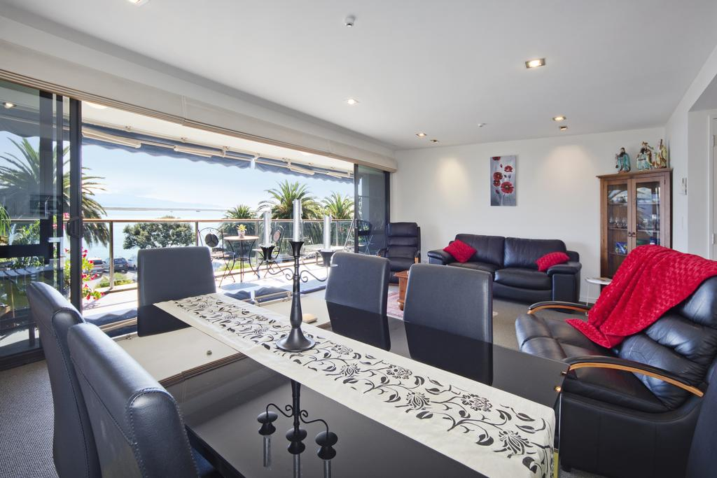 Nelson Waterfront Apartment