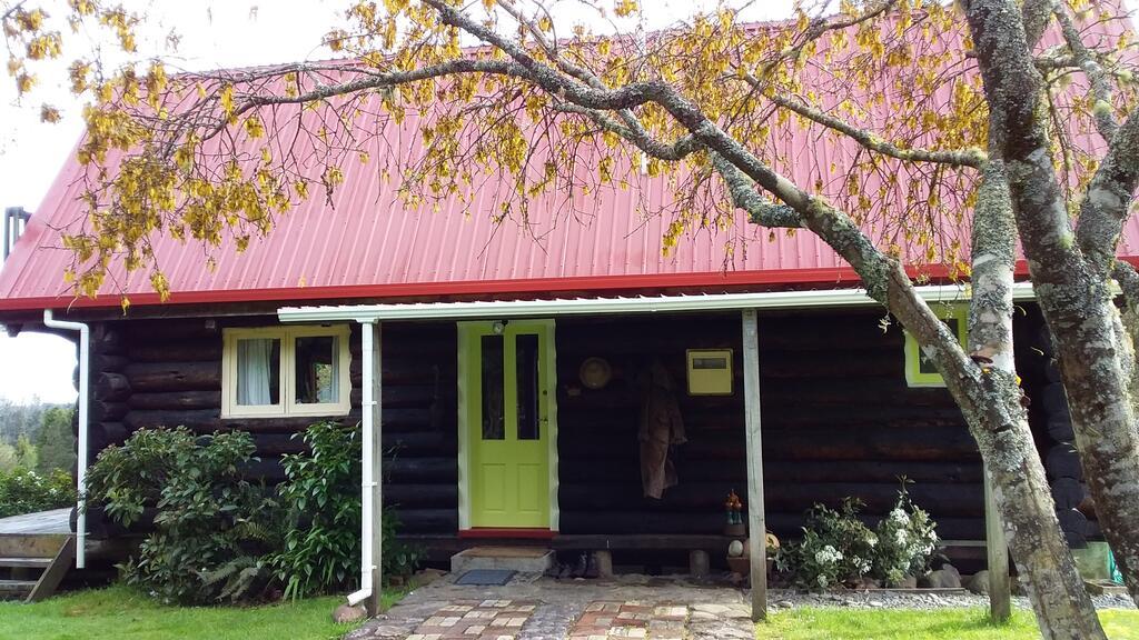 Raurimu Log Cabin