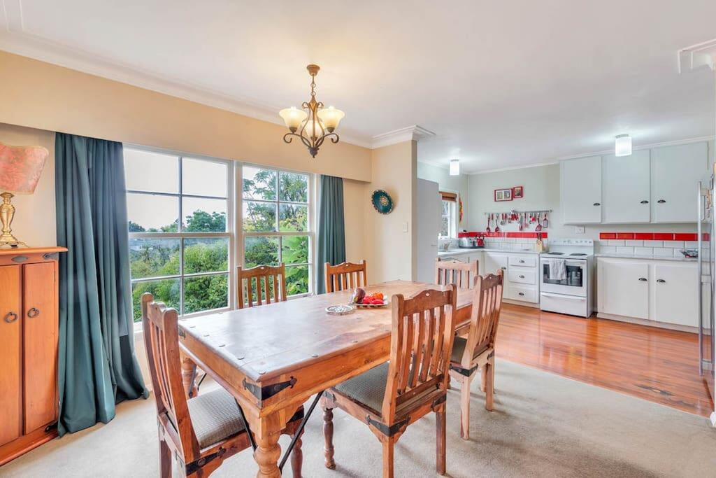 Rustic 2BR near Mission Bay with Garden Views