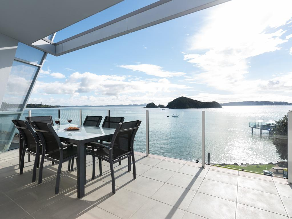 Sail Away - Waterfront Paihia Apartment
