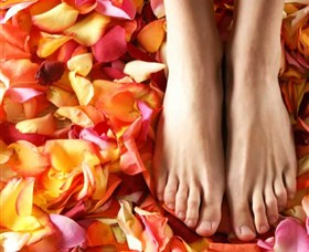 Ripple Sunshine Coast Massage, Day Spa and Beauty Logo and Images