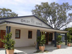 Ciavarella Oxley Estate Winery Logo and Images
