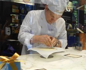 Lindt Maitre Chocolatier Logo and Images
