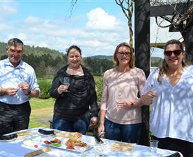 Hunter Valley Food And Wine Tour Logo and Images