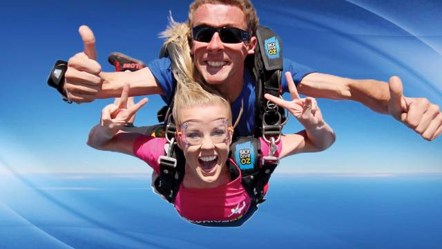 Skydive Oz Canberra Logo and Images