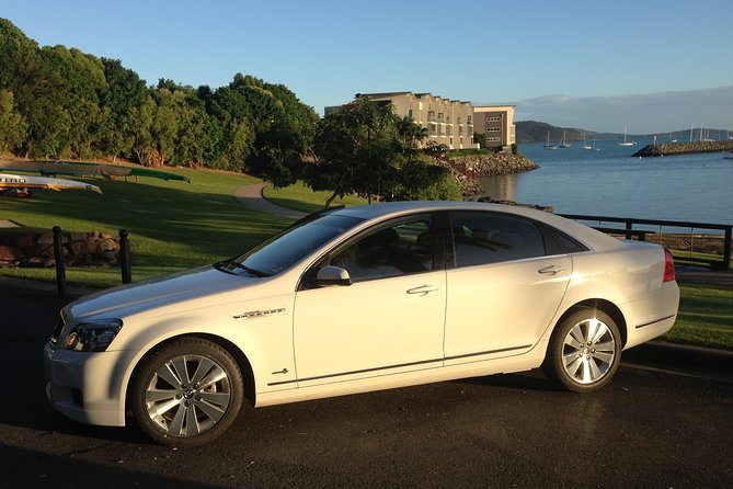 Limo from Proserpine airport to Airlie Beach Logo and Images
