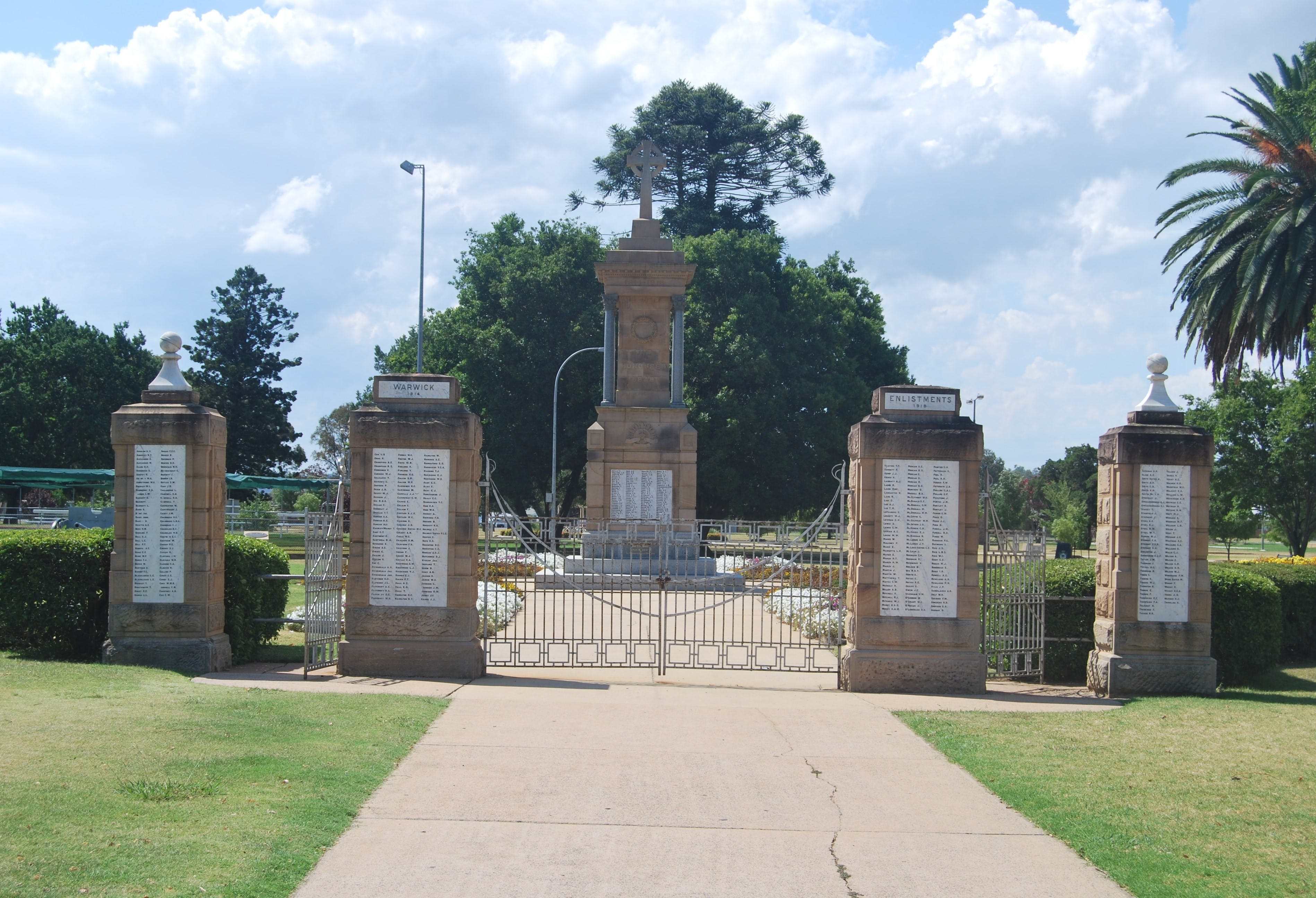 Warwick War Memorial and Gates Logo and Images