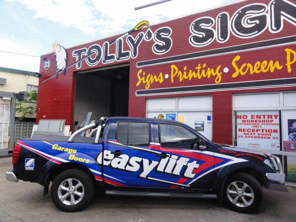 Tolly's Signs