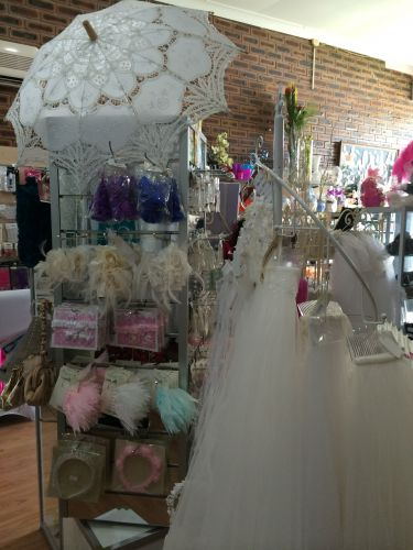 Wedding Shop on the Move