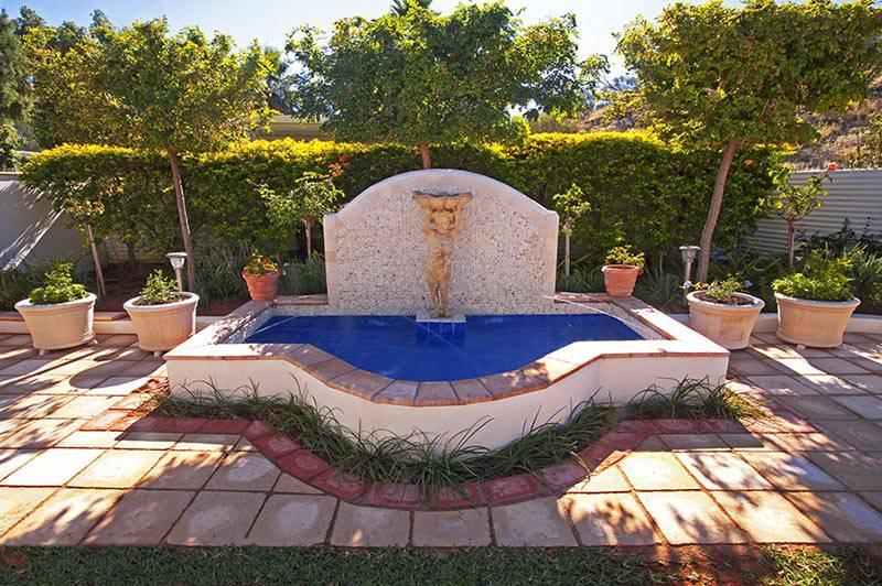 Garden Secrets & Designs