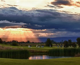 Lynwood Country Club Logo and Images