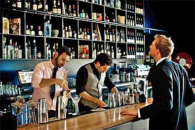 Plus 5 Bar and Restaurant