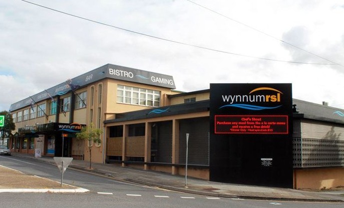 Wynnum RSL Club Logo and Images