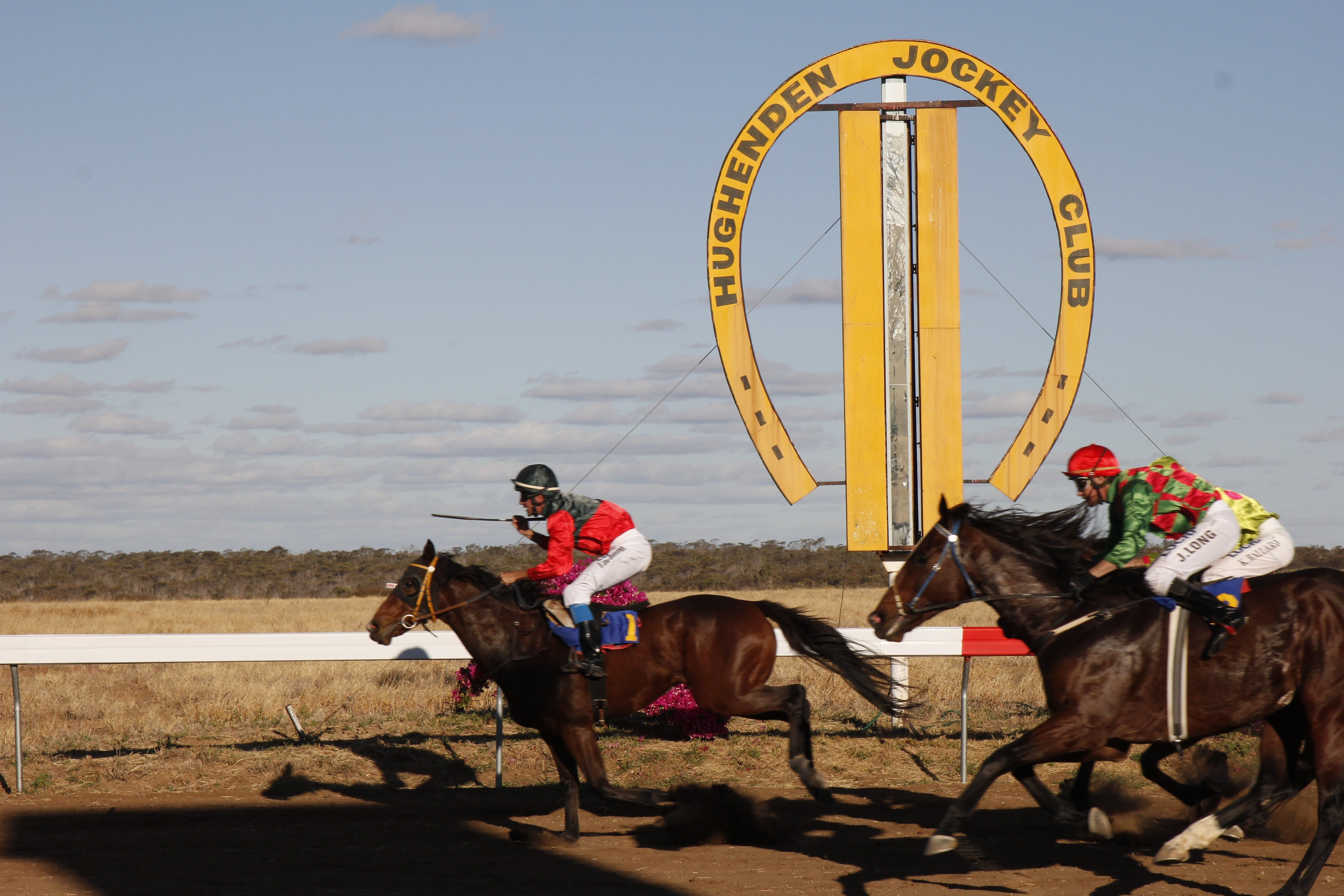 Hughenden  Cup Races Logo and Images