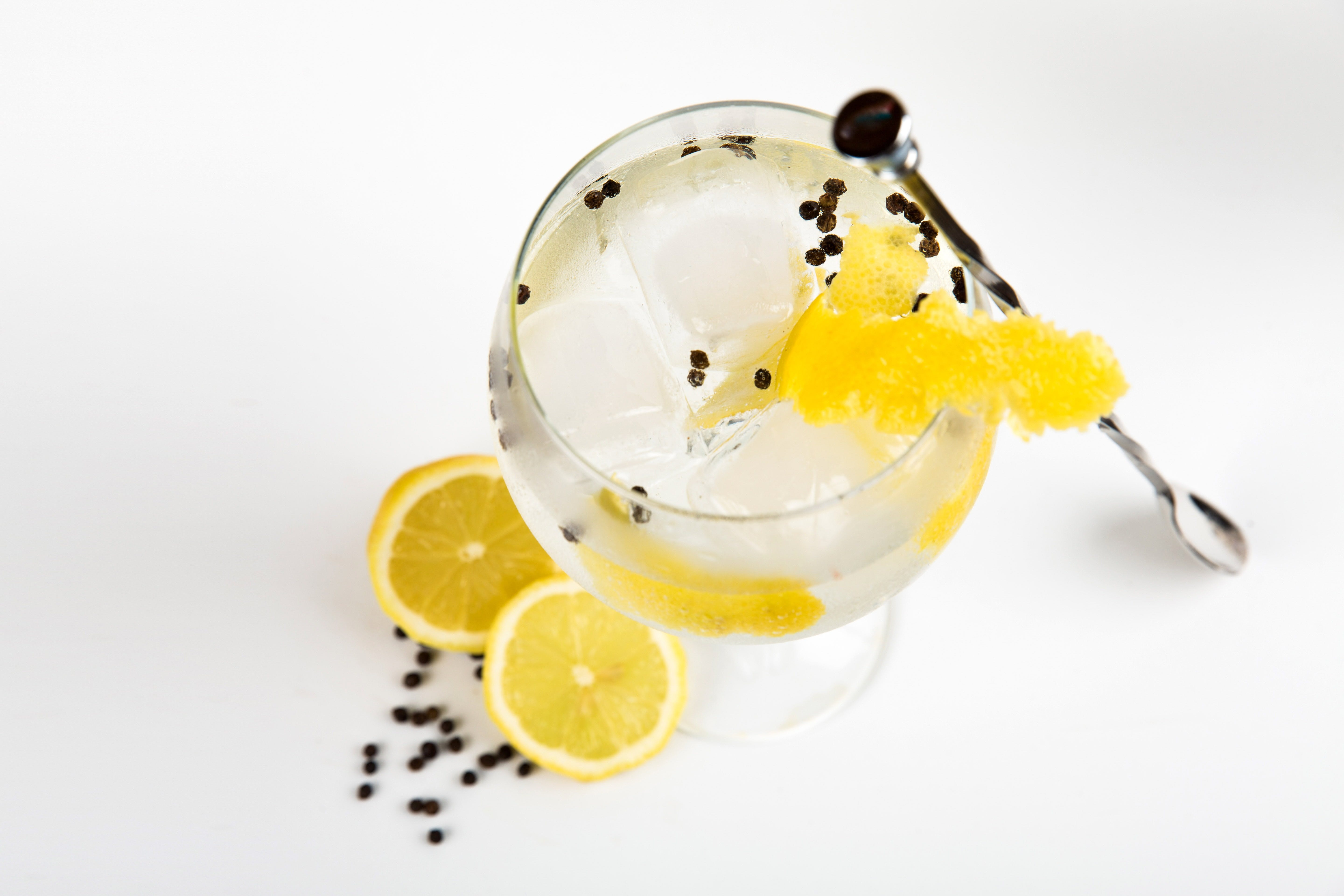 Online live streaming class: Make Four Gin Cocktails Logo and Images