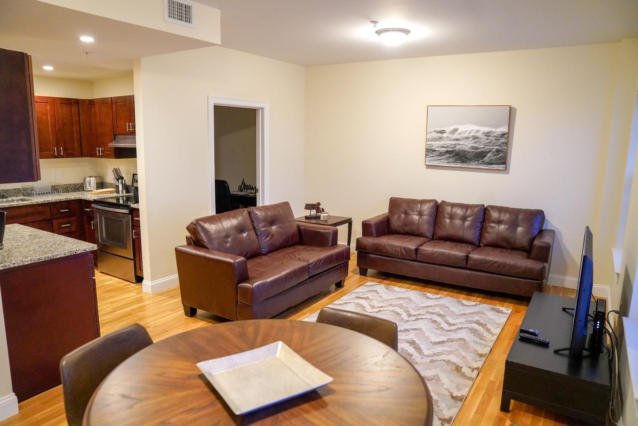 Mirage Luxury Apartments Fenway