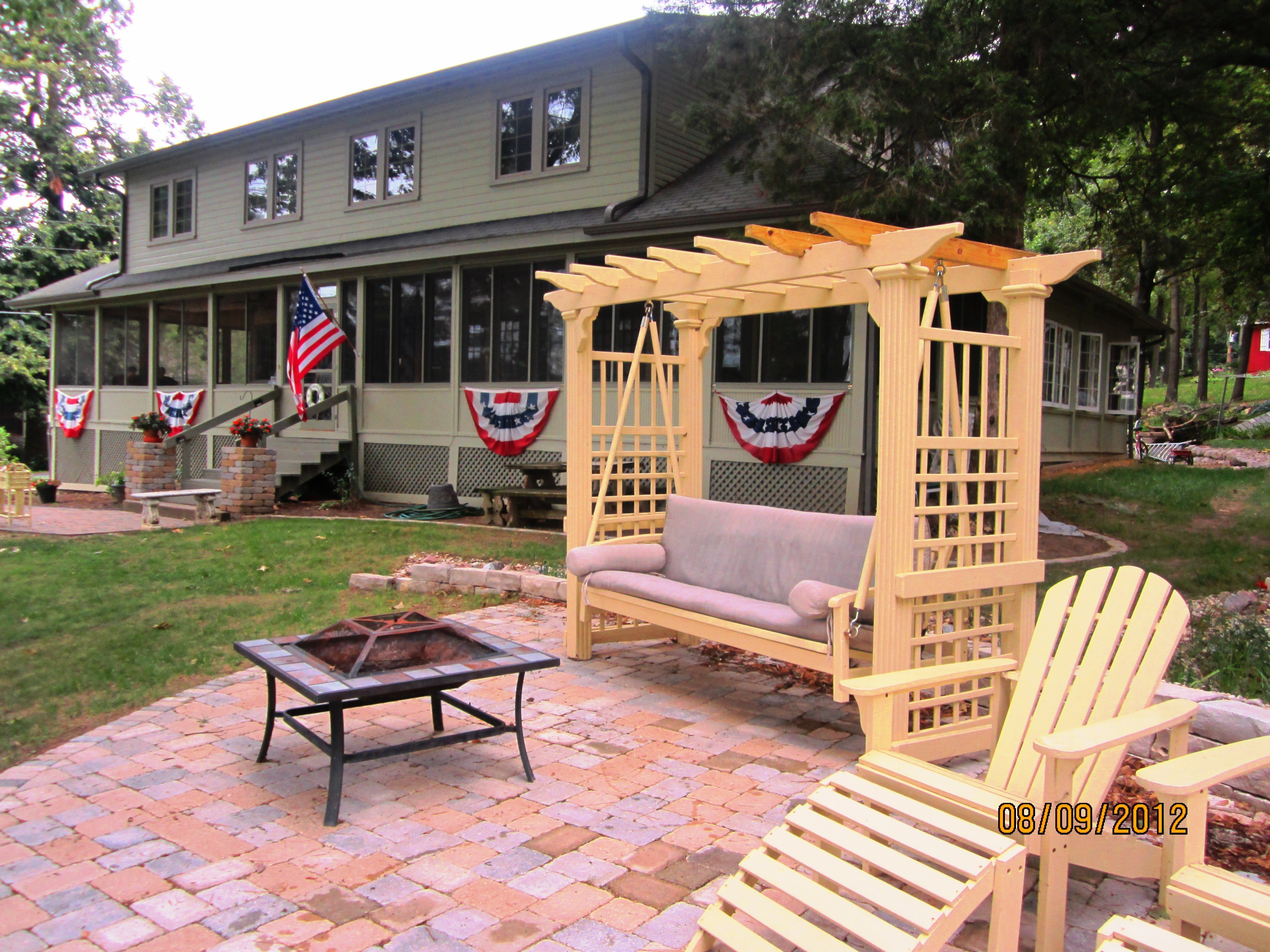 Lake Ripley Lodge Bed And Breakfast