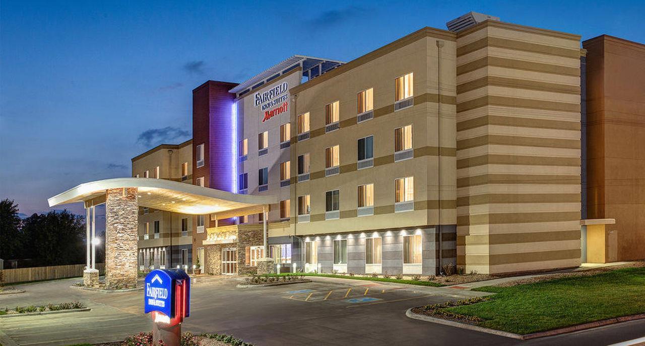 Fairfield Inn  Suites by Marriott Memphis Marion AR