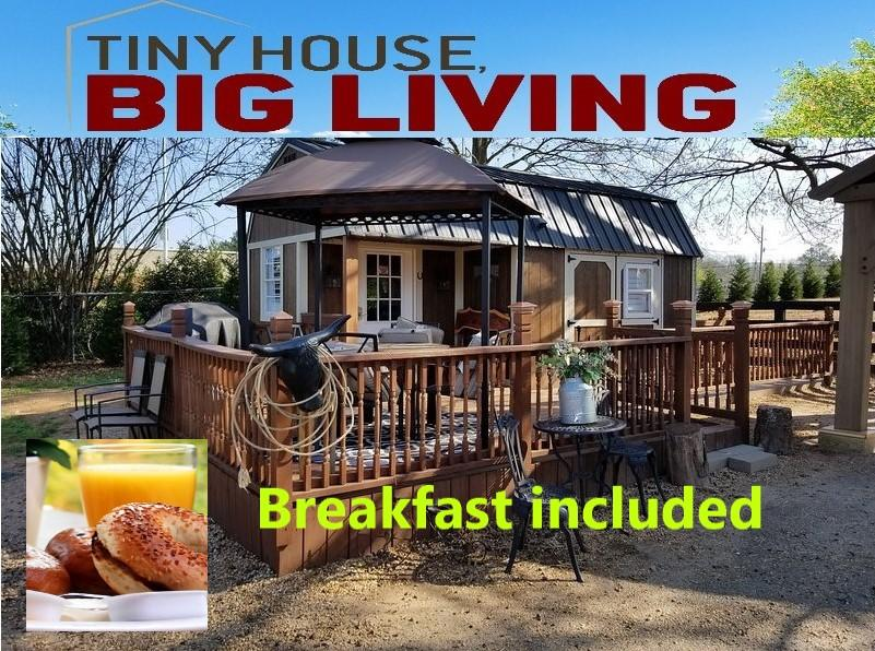 Tiny House Bed N' Breakfast
