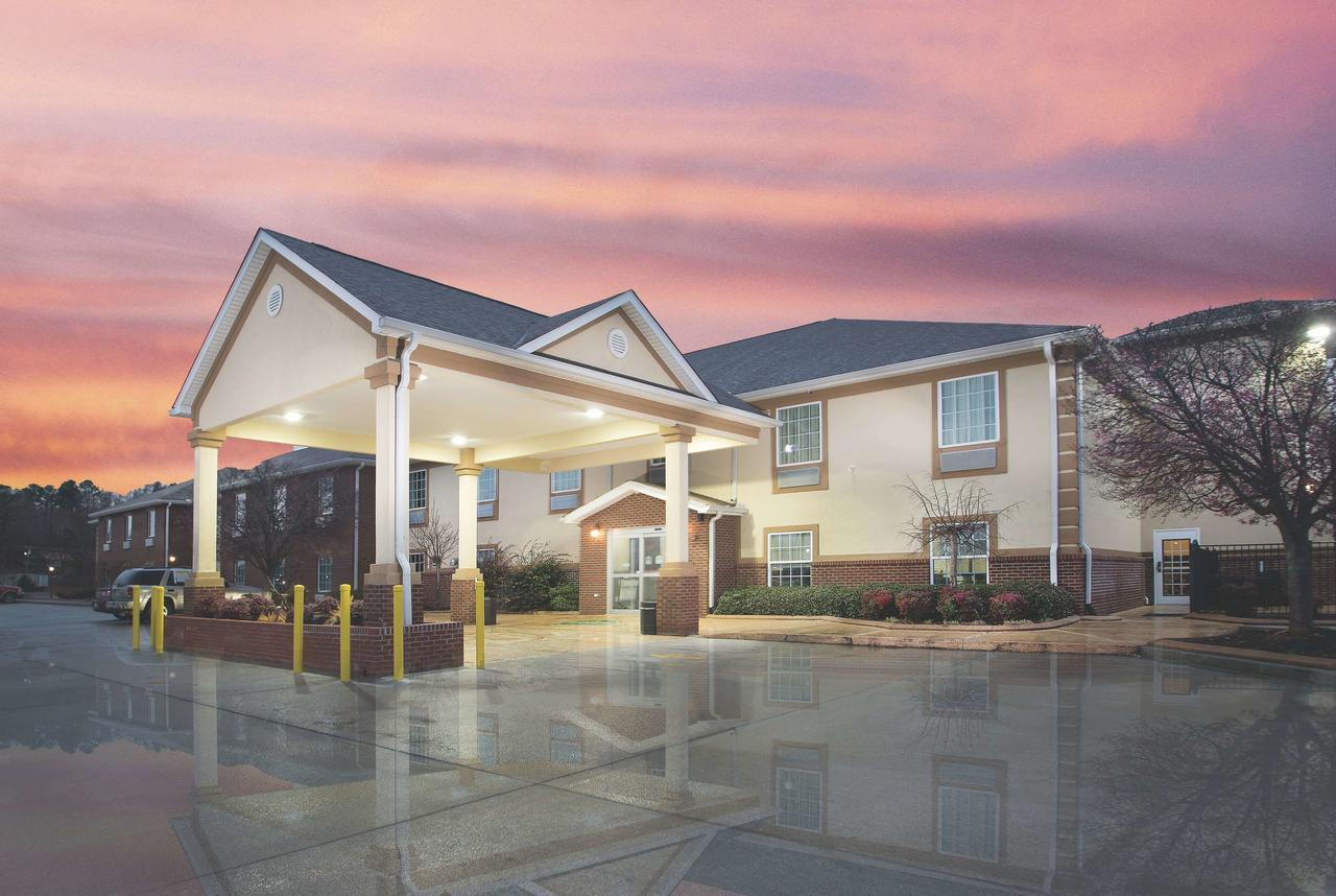 La Quinta Inn by Wyndham Calhoun