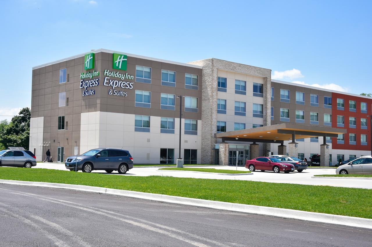 Holiday Inn Express & Suites - Bensenville - O'Hare