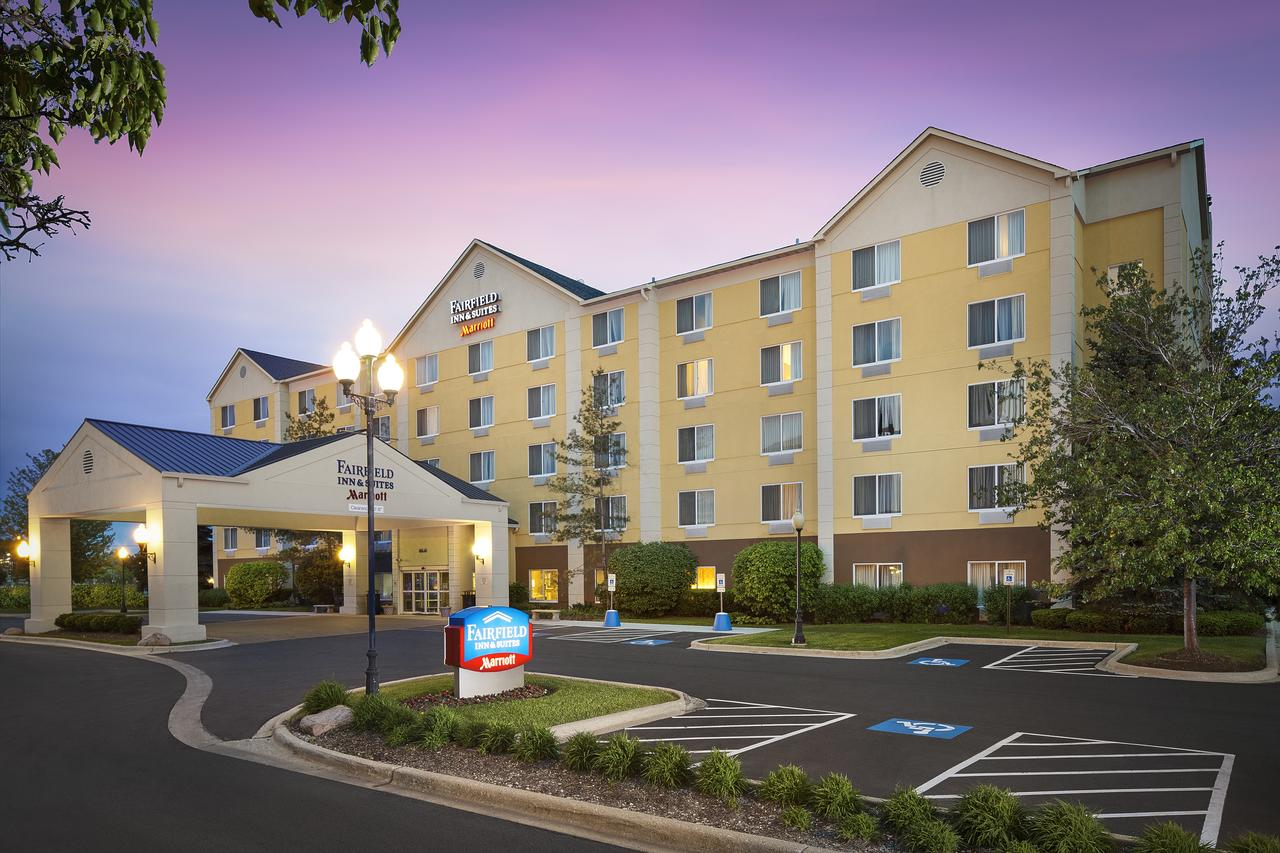 Fairfield Inn  Suites Chicago Midway Airport