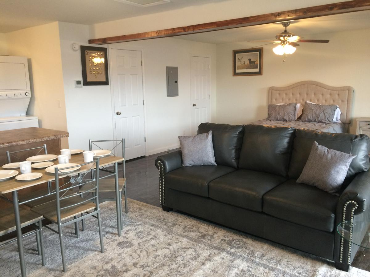 Anchor Inn and Suites