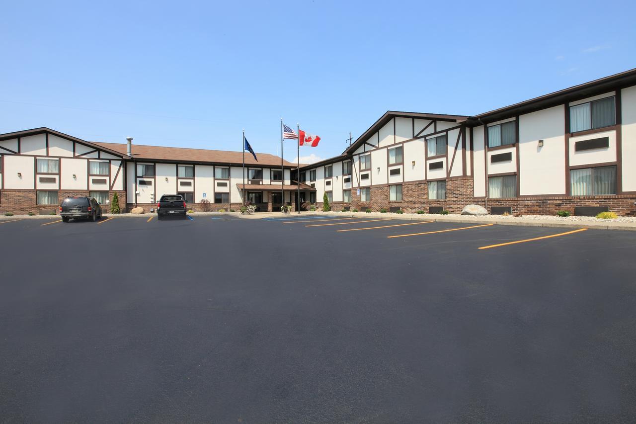 Americas Best Value Inn  Suites-Birch Run