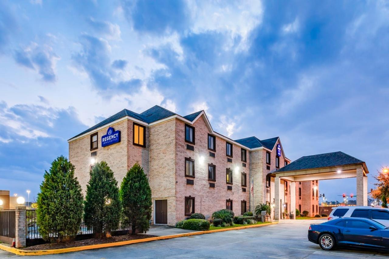 Regency Inn  Suites Biloxi