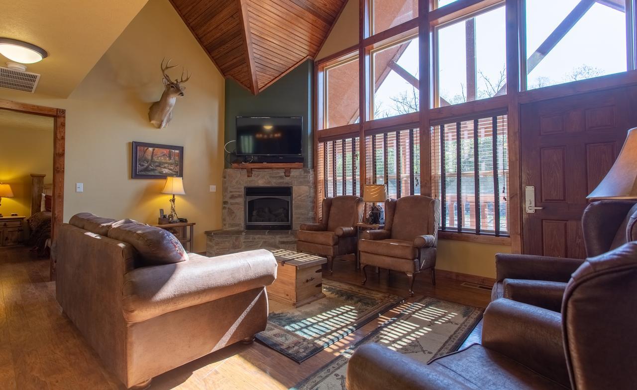 Timeless Memories Lodge - Sleeps 14 Home