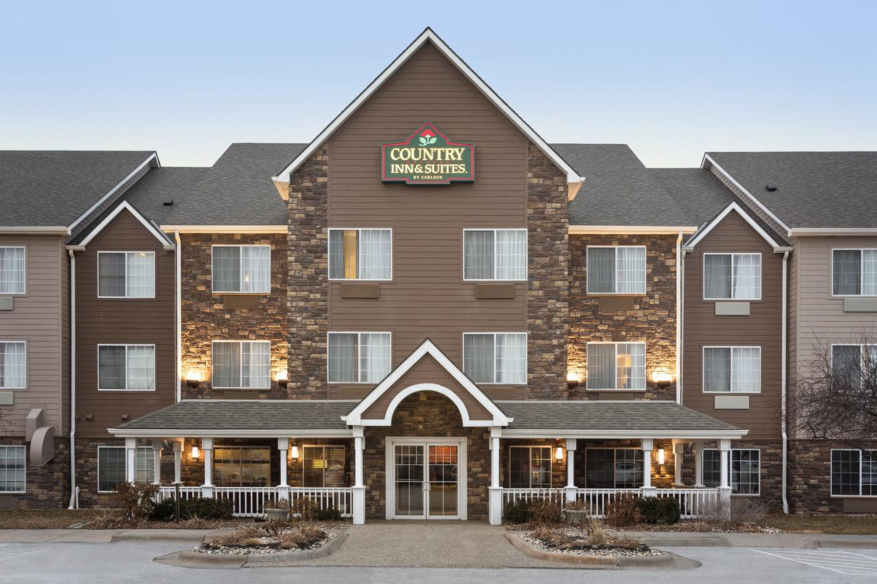 Country Inn  Suites by Radisson Omaha Airport IA